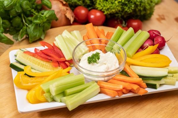 Gemüsesticks (inkl. Dip)